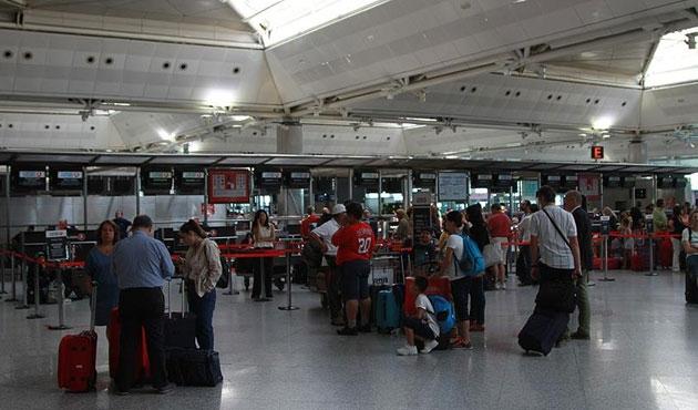 Yeşil ve gri pasaportlulara yurt dışına çıkış düzenlemesi