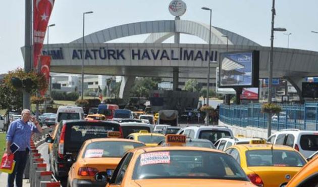 Atatürk Havalimanı'nda şüpheli minibüs hareketliliği