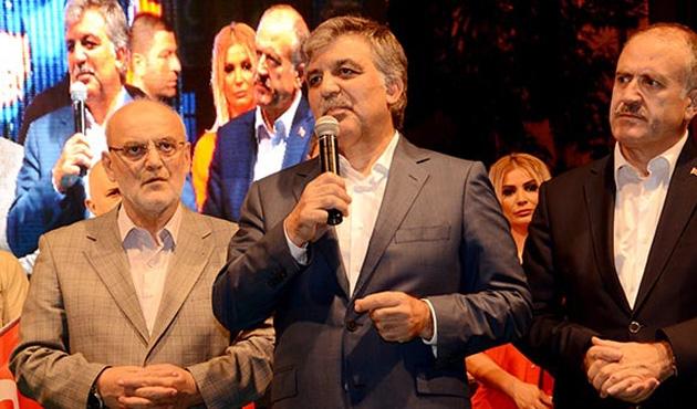 Abdullah Gül Beykoz'da 'Demokrasi Nöbeti'ne katıldı