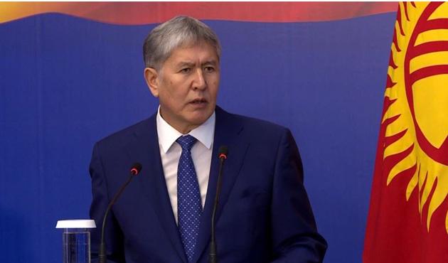 Kırgızistan lideri ülkesine döndü