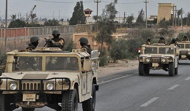 Sina Yarımadası'nda 6 kişi öldü, 13 polis yaralı