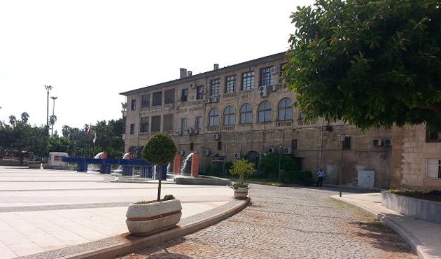 Mersin Büyükşehir Belediyesi'ne FETÖ baskını