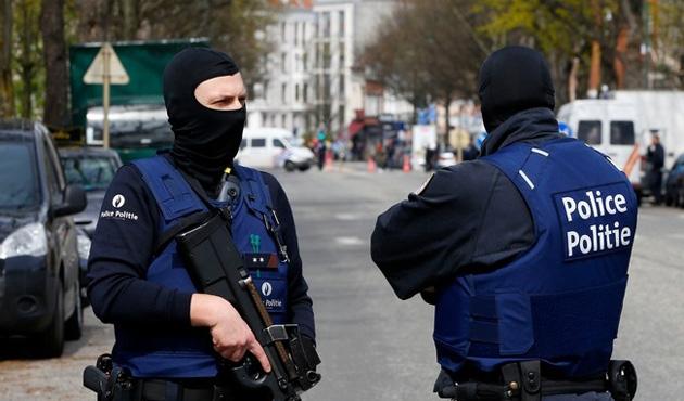 Belçika'da polise palalı saldırı