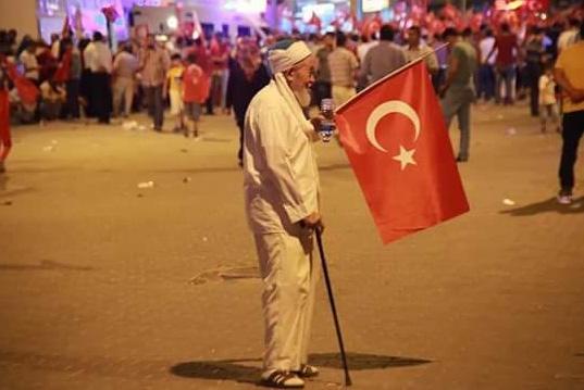 Meydanlarda AK Parti ve MHP seçmeni vardı