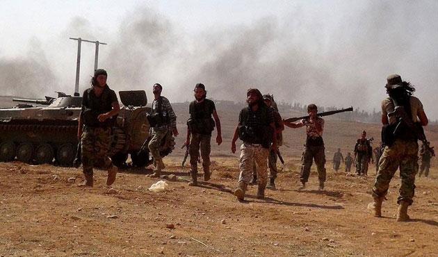 Muhaliflerin Halep'te ilerleyişi sürüyor