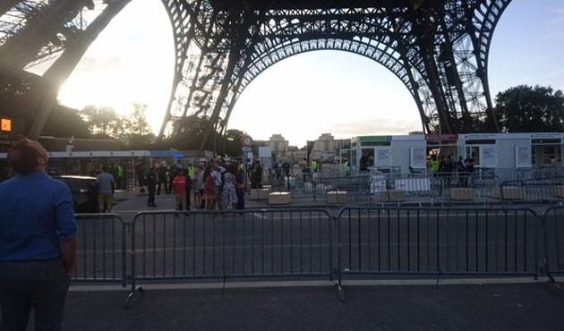 Paris'e gelen turist sayısı terör nedeniyle azaldı