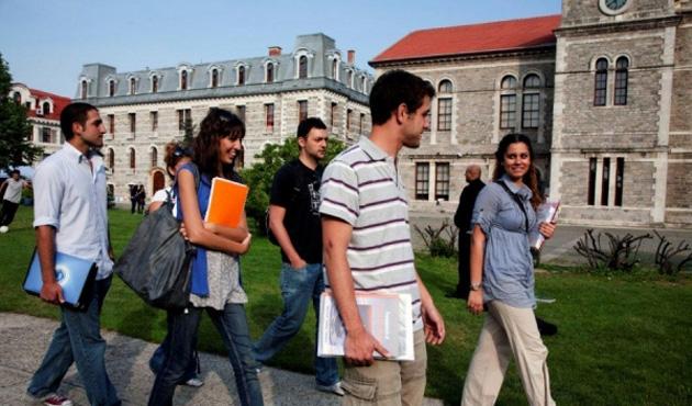 Kapatılan üniversitelerin öğrencilerinin aktarımı tamam