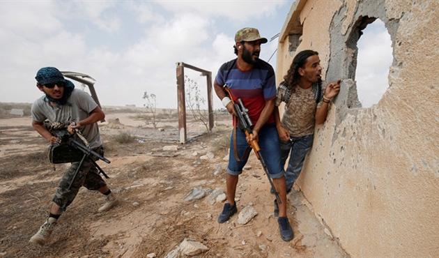 Libya'da kabileler çatıştı