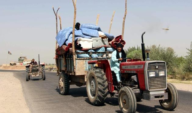 Helmand'da afyon savaşı 30 bin kişiyi evinden etti