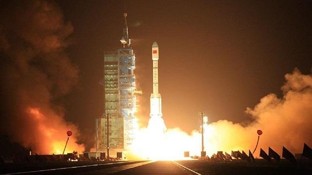 Çin meteoroloji uydusu fırlattı