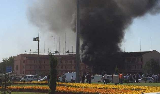 Elazığ Emniyeti'ne bombalı saldırı: 3 ölü 146 yaralı