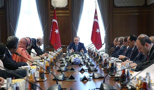 Erdoğan, Pakistanlı milletvekilleriyle görüştü