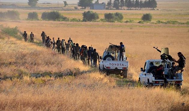 Sınırda takviye ÖSO askerleri