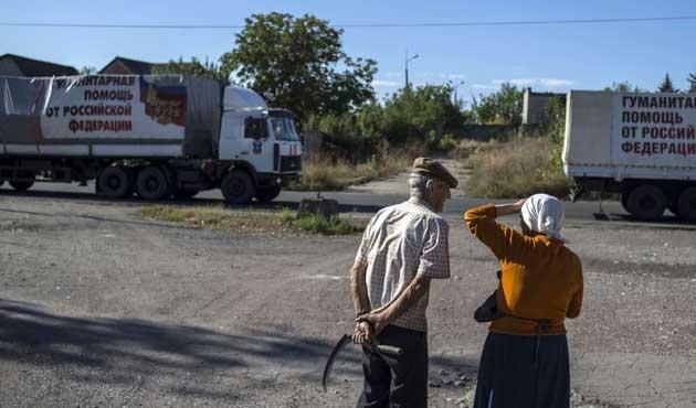 Rusya'dan Donbass'a 55 kamyon insani yardım