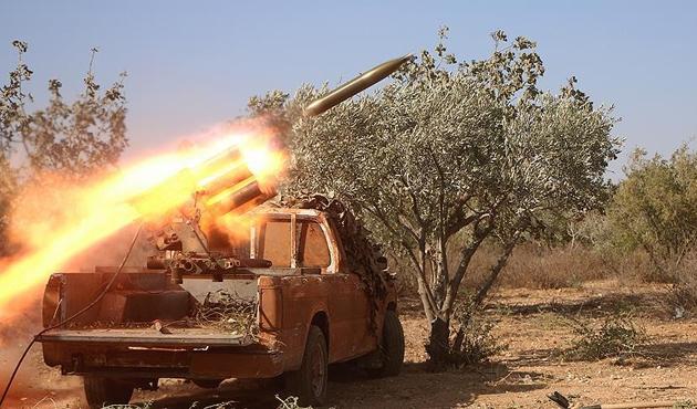 Suriyeli muhaliflerden sürpriz Hama atağı