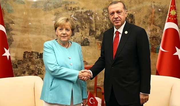 Erdoğan: 'Terör koridoru'na geçit verilmeyecek