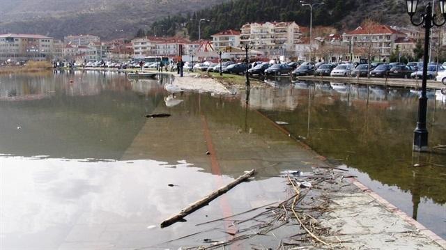 Yunanistan'da şiddetli yağış: 3 ölü