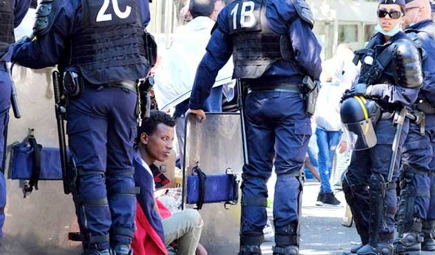 Çeşme'de 148 göçmen yakalandı