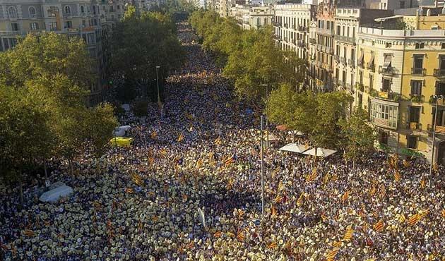Katalonya'da yeniden bağımsızlık gösterileri
