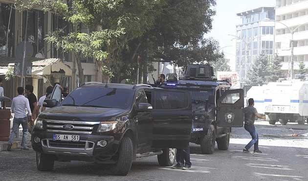 Van'da bombalı araçla saldırı