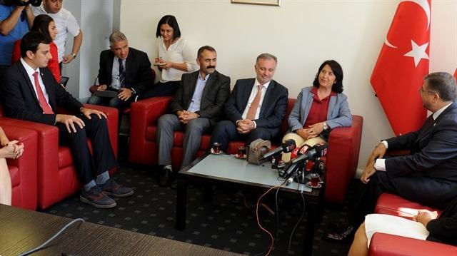 AK Parti heyeti CHP'yi ziyaret etti