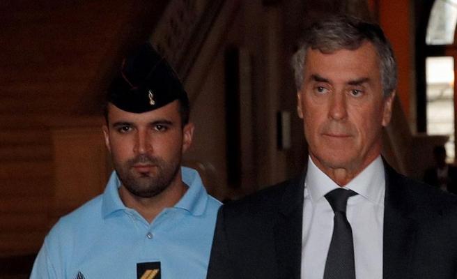 İstifa eden Fransız bakana yolsuzluktan 3 yıl hapis