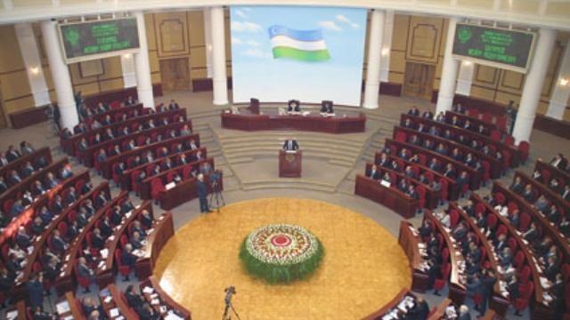 Özbekistan'da kabinede değişiklik