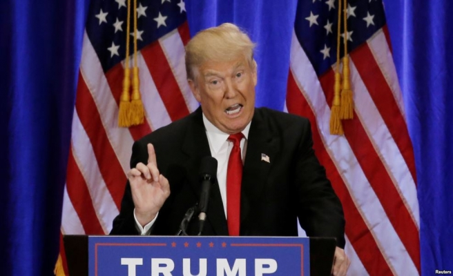 Trump'tan yaşlılara: Seçime kadar ölmeyin