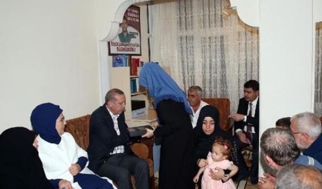 Erdoğan'dan 15 Temmuz şehitlerinin ailelerine ziyaret