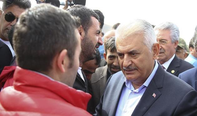 Başbakan Yıldırım'dan Doğubeyazıt'a taziye ziyareti