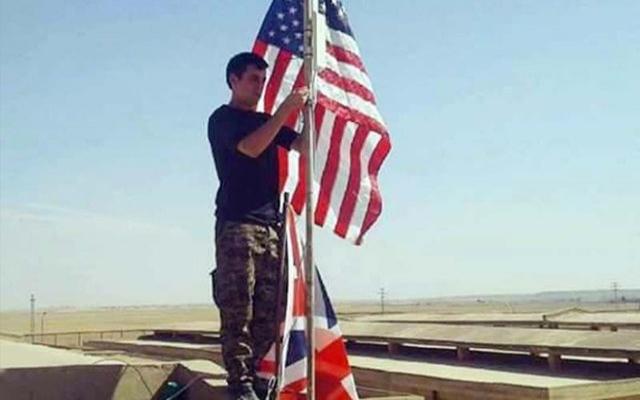 Tel Abyad'a ABD bayrakları böyle dikilmiş | FOTO