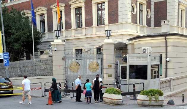 Almanya'nın İstanbul Başkonsolosluğu çalışmaya başladı