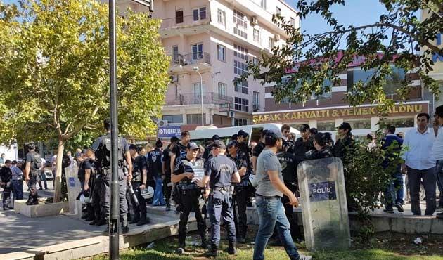 Diyarbakır'daki öğretmen eyleminde 23 gözaltı