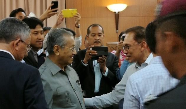 Mahathir- Enver İbrahim buluşması: Malezya siyasetinde yeni dönem