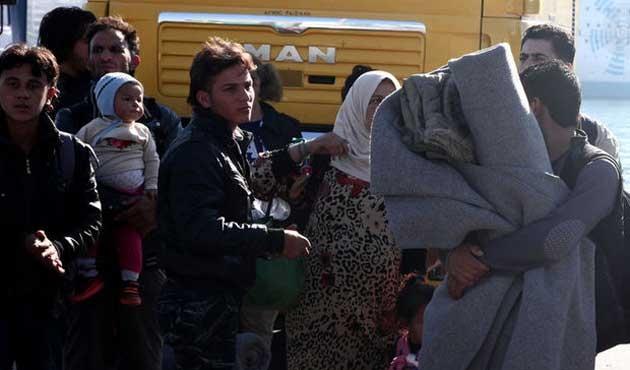 Polonya mülteciler için ikiye ayrıldı