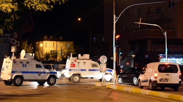 Van'da Emniyet binasına silahlı saldırı