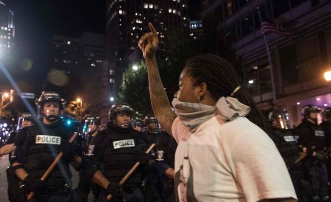 Charlotte'daki protestolarda 9 yaralı, 44 gözaltı