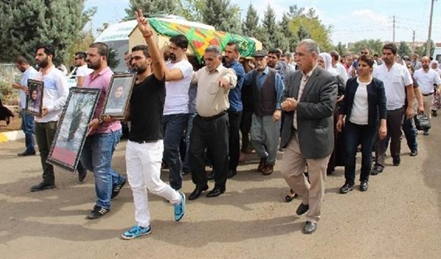 HDP'li vekiller yine PKK'lı cenazesinde...