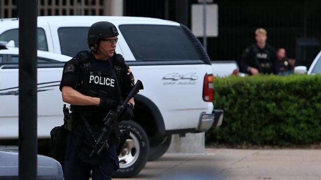 ABD'de alışveriş merkezine silahlı baskın