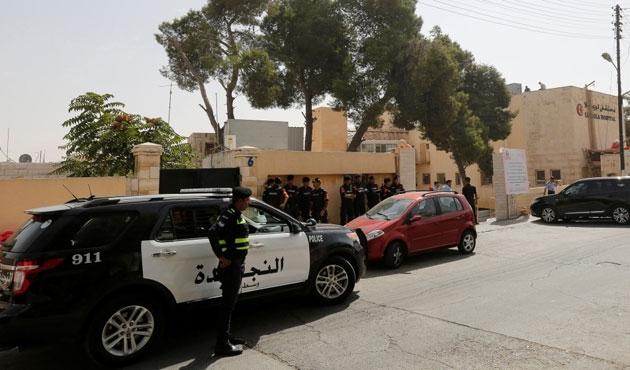 Libya'da vurulan Hollandalı gazeteci öldü