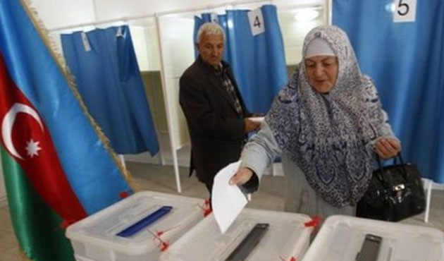 Azerbaycan anayasa değişikliği için sandık başında