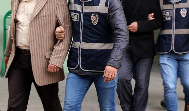 19 ildeki operasyonda 10 öğretmene FETÖ tutuklaması