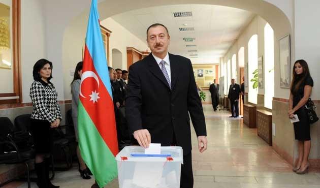 Azerbaycan muhaliflerinden referanduma red