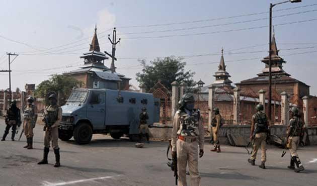 Hindistan ordusu Keşmirli üç direnişçiyi öldürdü