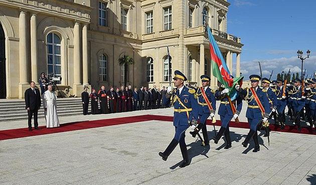 Papa, Azerbaycan'da Aliyev'le görüştü