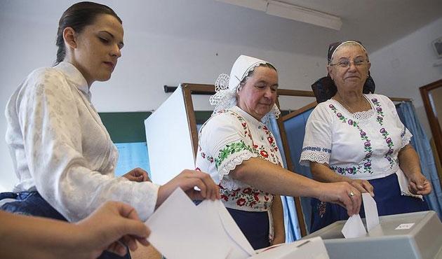 Macaristan'da sığınmacı referandumu geçersiz oldu
