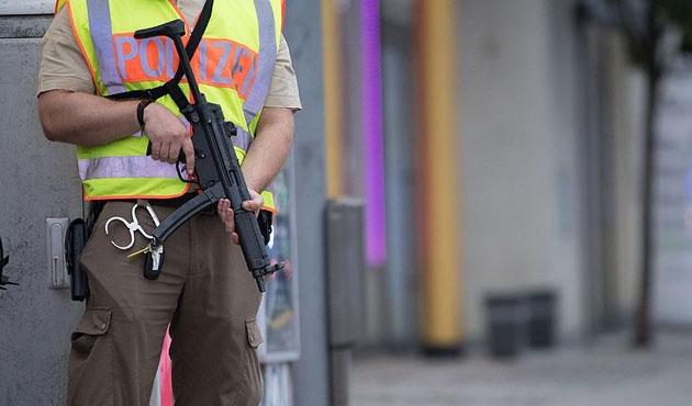 Almanya'da cami kermesinde iki kadın kurşunla yaralandı
