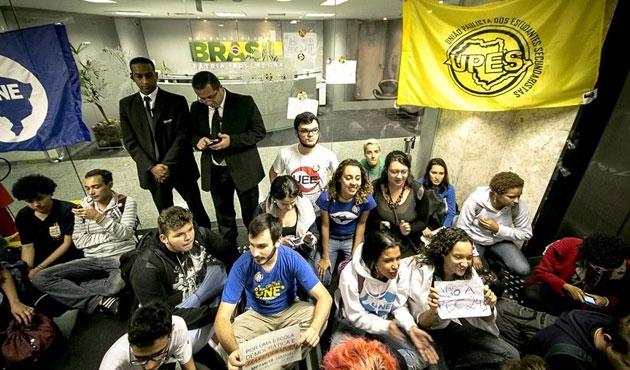 Brezilya'da başkanlık ofisi işgal edildi