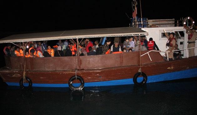 20 kişilik teknede 100 sığınmacı yakalandı