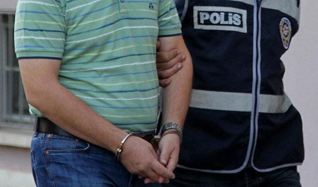 İzmir'de FETÖ operasyonu; 30 gözaltı